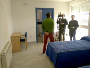 Imagen de la Grabación del Programa Escuchame de Canal Extremadura a un usuario de la Residencia San Gil de PLACEAT