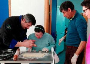 Haciendo dulces en Placeat con Fernando, repostero de la Pastelería Virgen del Puerto de Plasencia