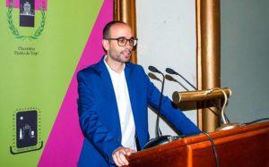 """Conferencia de Fernando Talaván en el Teatro Alkázar de Plasencia, sobre Sorolla. Ciclo """"Plasencia en la Escuela"""" de la Asociación Cultural Placentina """"Pedro de Trejo"""""""