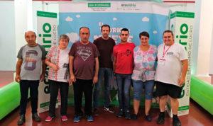 Usuarios del Grupo de Uso de la Comunidad de PLACEAT, visitan el Taller de Reciclaje de Vidrio de la Junta de Extremadura y Ecovidrio, en Plasencia.