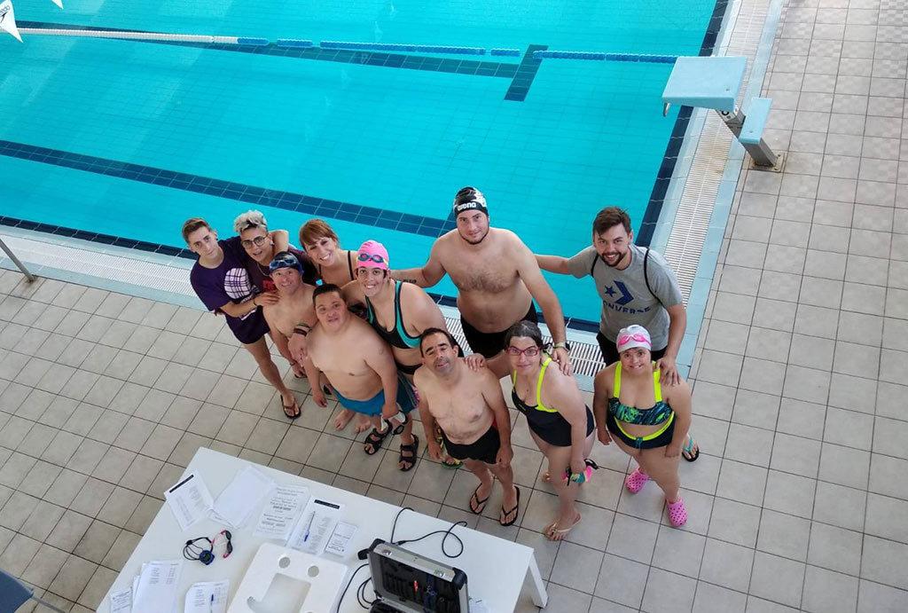 Foto de Grupo del Equipo de Placeat de Natación Adaptada