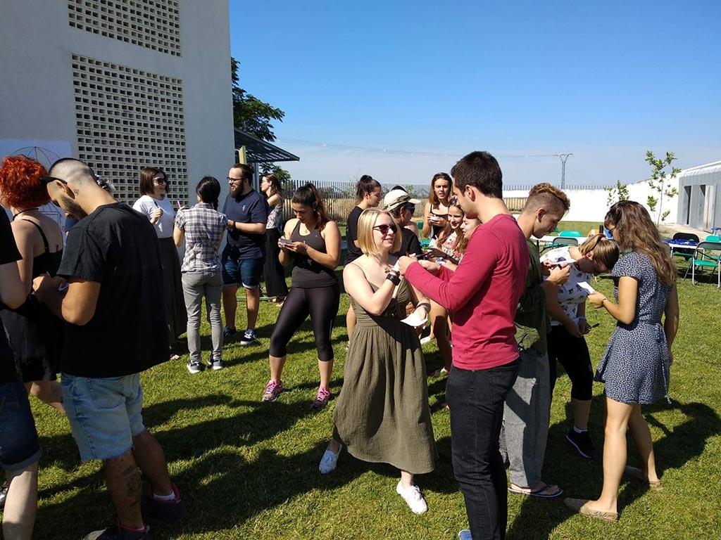 Imagen de los Voluntarios del Intercambio juvenil My World after Volunteering en las instalaciones del Albergue Vía Plata de Placeat