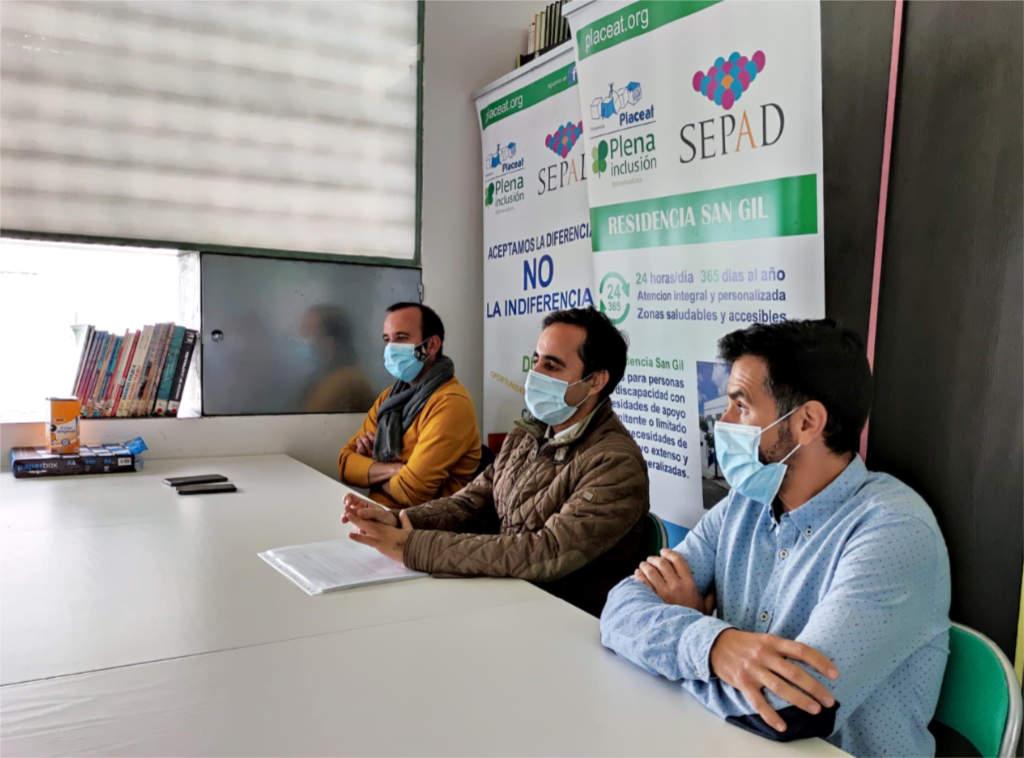 Charla del Dr. Emiliano Torres en San Gil