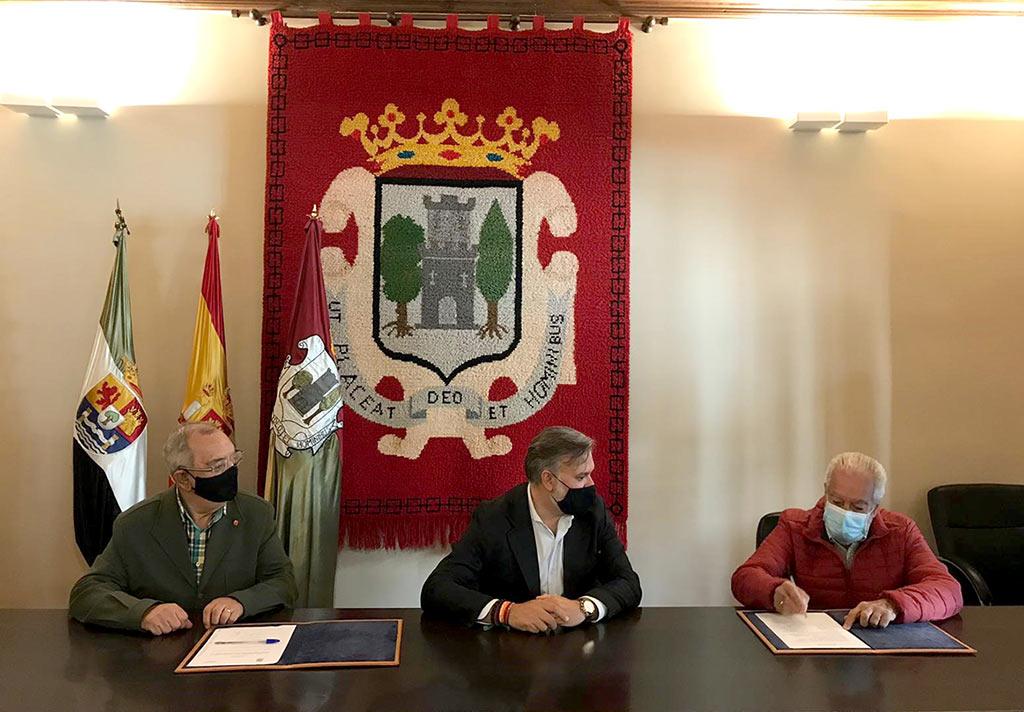 Firma entre el CEE Plaser y el Ayuntamiento